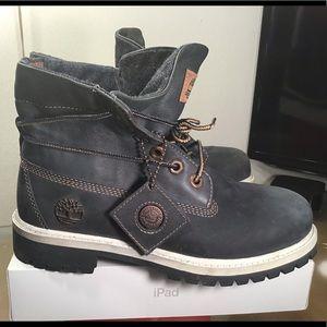 Rare Timberland Women's boots.